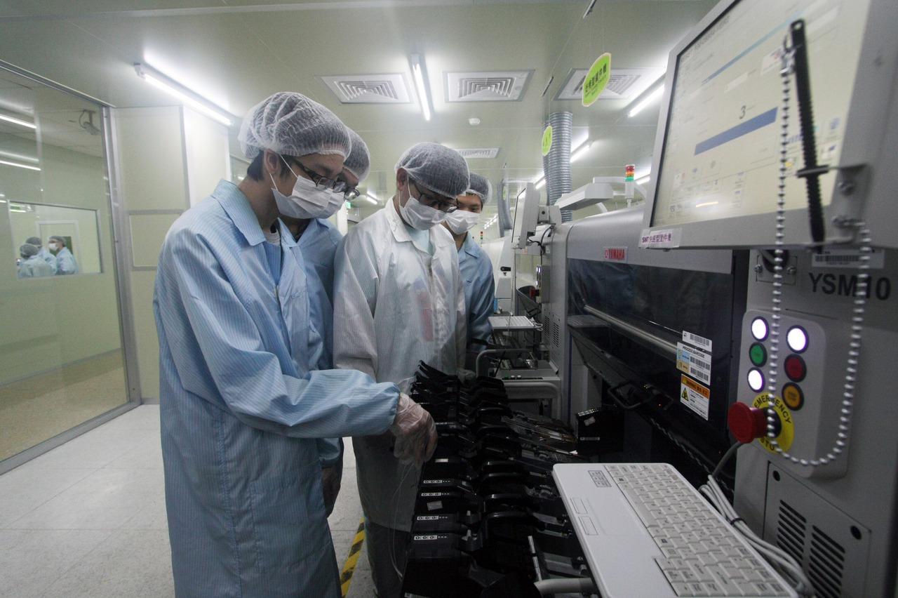 龍華科大攜手台灣電路板協會 培養印刷電路板人才
