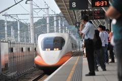 6月1日起高鐵車上可飲食 但要有社交距離