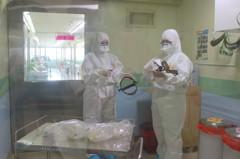 【抗疫英雄5】患者門外崩潰 國門醫院天使:別怕,我們陪你