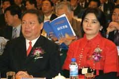 港媒:前港府官員何志平在美服刑後返港