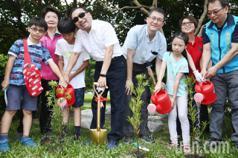 「幫地球降溫」 侯友宜植樹籲共同珍惜生態環境