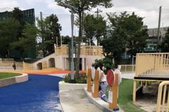 台北天母夢想樂園「蒙上一層灰」 7月封PU步道改排水