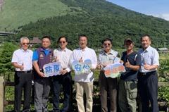 徐國勇走訪陽明山國家公園 示範安心旅遊