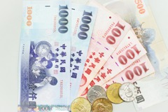 新台幣狂升登最強亞幣 廠商跳腳央行防線在哪?