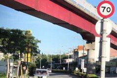 人行道鋪完水泥竟未種樹 中市府:浮根影響用路安全
