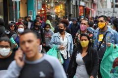 巴西確診破200萬!27天增百萬例 「總統是疫情惡化關鍵」