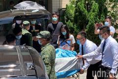 殉職飛官遺體 中午送抵桃園空軍總醫院