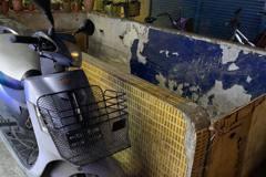 北市信義區詭異「地下室」荒廢逾30年 里長曝:市價超過10億