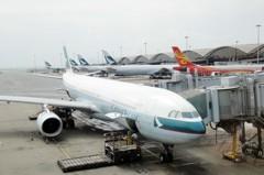 港媒:傳國泰將宣布大裁員 涉及逾千機師空服員
