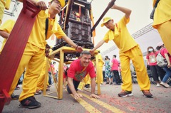 9國駐台代表齊聚桃園為聖帝公慶生 陣頭文化變國際亮點