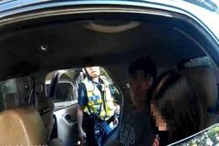 影/手機存他人居留證躲查緝 中警細心查獲2逃逸移工