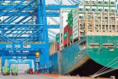 大陸海運出口成本暴漲 創11年新高