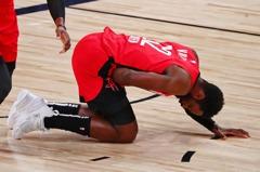 NBA/火箭再有球員跨下遭襲 聯盟追加AD惡意犯規