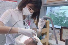 牙痛想要掛號! 25歲「最美牙醫」狂曬辣照