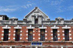 台中百年老建築「全安堂」華麗再生 推太陽餅文化