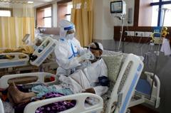 印度染疫數破500萬例 醫院亟需氧氣瓶治療患者
