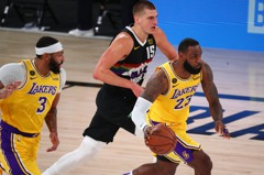 NBA/詹皇戴維斯聯手 湖人碎金3勝1負西決聽牌