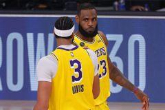 NBA/詹皇察「眉」觀色 預見戴維斯求勝意志