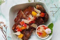 【食譜】氣炸鹹豬肉佐鮮柚莎莎醬。解膩的水果莎莎醬