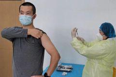 中國搶先大規模打疫苗 被指「豪賭」