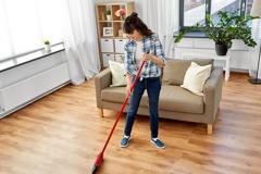 地板頭髮總是掃不乾淨?清潔五招去除家中毛髮與灰塵