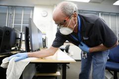 美國9月民間就業增74.9萬人 高於預期