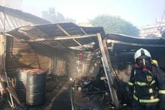 台中大雅機油倉庫起火 濃煙瀰漫竄天際