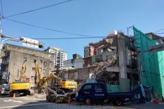 桃園最早有手扶梯的百貨公司 金園戲院大樓拆了