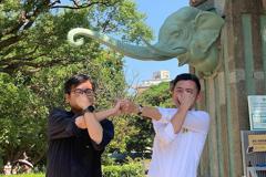 兩人在動物園學大象 陳其邁邀林智堅:下次換你來高雄