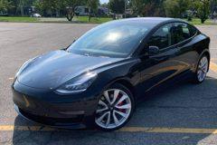 2021新年式Tesla Model 3輕度小改款 升級雙層玻璃和內裝優化!