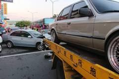 遊覽車疑煞車失靈 台中北屯連撞多車釀5人傷