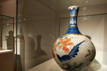 陶瓷博物館特展 精美陶藝品與設計圖比肩展出