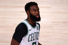 NBA/布朗透露參加復賽理由 完成與罹癌祖父的約定