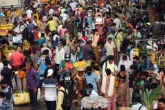 印度新增感染逾4萬 確診病例逼近800萬大關