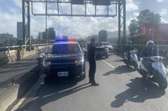 汐止北山大橋半小時4起車禍 11輛機車連續撞交通打結