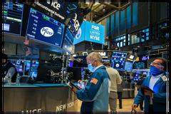 美股早盤漲逾100點 科技股承壓