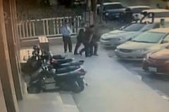 老翁持鐮刀闖保險公司 劃傷2人