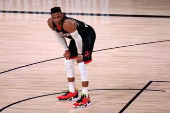 NBA/傳黃蜂有意追逐衛少 內部意見陷分歧