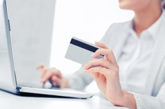 「覺得不需要」35歲沒信用卡她說出唯一困擾...網:還不是麻煩別人
