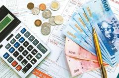 調查:國內20世代青年手上保單 32.6%父母買單