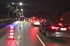 基隆汐止改裝車排氣管噪音擾民 2地警封閉式路檢查酒駕