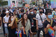 2020高雄同志大遊行初估近4萬人參加 年輕人最踴躍