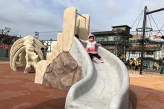 新北首座網路票選公園啟用 以恐龍作為地景意象題材