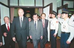 法國前總統季斯卡 染新冠病逝