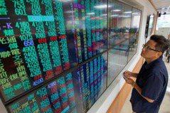 台股創新高 該存金融股還是台積電?存股達人這樣說