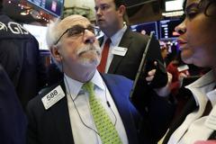 彭博:Fed維持寬鬆路線 資金加速流入美國股票型ETF