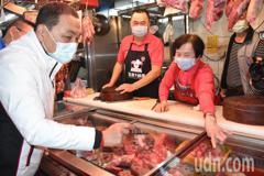 侯友宜視察泰山公有市場肉攤 3個月內查核新北3828攤