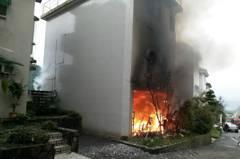 煤油暖氣忘了關大火燒屋 一家5口地下室逃往隔壁幸無礙