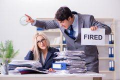 被資遣9個月後前公司突求她改自願離職 人資:否則補助辦不過