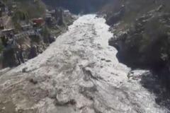 冰川砸毀印度大壩 恐百人罹難
